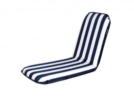 """Mobiler Sitzkomfort an Bord, beim Camping, im Garten und am Strand. Der Comfort Seat """"groß"""" bietet Sitzkomfort in 6 Postionen und eine längere Rückenlehne. (Bild 2 von 9)"""