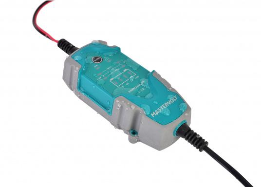 Das universelle EasyCharge-Batterieladegerät bietet Menschen, die viel unterwegs sind, eine ideale Lösung, die für Boote, Autos, Motorräder, Wohnwagen, Oldtimer, Landmaschinen usw. eingesetzt werden kann. Das tragbare aber auch fest montierbare Batterieladegerät zeichnet sich durch eine robuste ergonomische Bauweise und eine Wasserdichtigkeit gemäß IP65 Schutzklasse aus. (Bild 3 von 6)