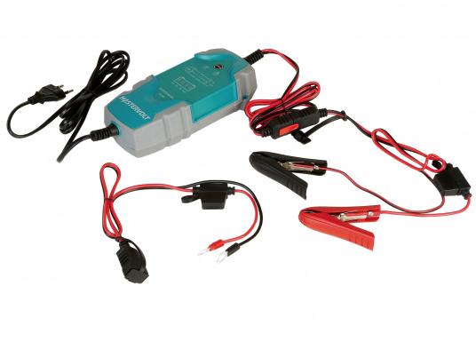 Das universelle EasyCharge-Batterieladegerät bietet Menschen, die viel unterwegs sind, eine ideale Lösung, die für Boote, Autos, Motorräder, Wohnwagen, Oldtimer, Landmaschinen usw. eingesetzt werden kann. Das tragbare aber auch fest montierbare Batterieladegerät zeichnet sich durch eine robuste ergonomische Bauweise und eine Wasserdichtigkeit gemäß IP65 Schutzklasse aus. (Bild 6 von 6)