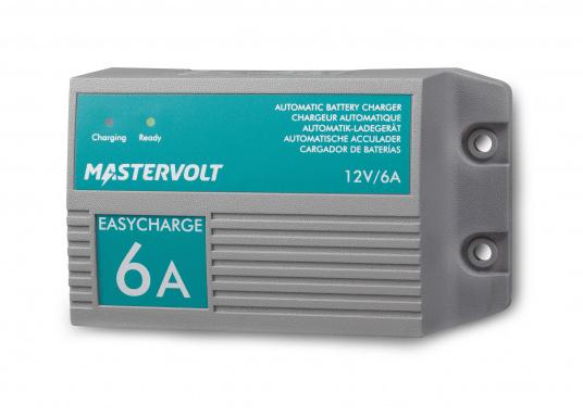 Mit einer Serie kleiner Ladegeräte erweitert Mastervolt seinen Einsteigerbereich.Der Batterielader EasyCharge ist nur für den 12V Betrieb geeignet und liefert einen Ladestrom von 6A. Wird mit Kabelschuhen an der Anschlussleitung zur direkten Befestigung an den Batteriepolen geliefert. Montage: Festmontage.