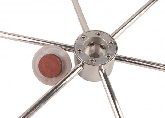 Steuerrad mit sechs Speichen, Nabe und Handgriff aus Edelstahl. Der Durchmesser des Umlaufs beträgt 25 mm, die Speichen haben einen Durchmesser von 14 mm. Alle Steuerräder sind RINA, EN und ISO zugelassen.  (Bild 4 von 4)