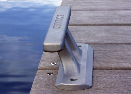 Klampe gefertigt aus hochfestem Aluminium. Lochabstand: 180 mm, Loch-Ø 10 mm. Bruchlast: 4000 kg. (Bild 3 von 4)