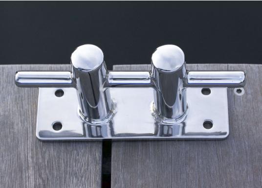Double bollarden acier inoxydable. Entraxes : 140 mm sur la longueur, 40 mm sur la largeur. Diamètre des trous de vis :8 mm. Charge de rupture : 6000 kg.  (Image 2 de 3)