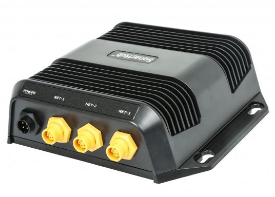 Das kompakte SonarHub™-Modul ist die Komplettlösung, mit der Sie Ihre Lowrance und Simrad Fischfinder / Kartenplotter mit moderner Sonar Technologie aufrüsten können. Ausgeführt als Plug-and-Play Komplett-Netzwerklösung wird es noch leichter, ergiebige Fanggründe zu finden. (Bild 2 von 5)