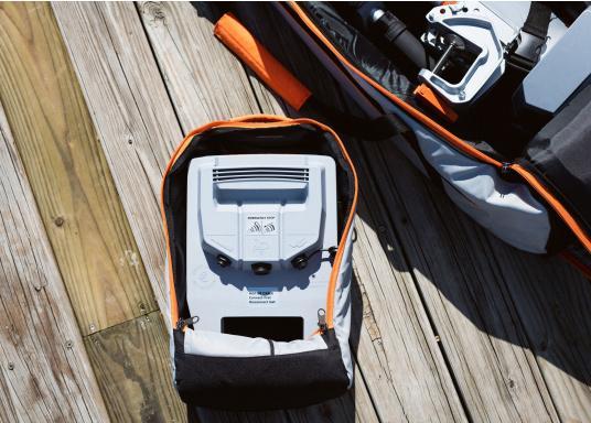 TORQEEDO - Transporttaschenset für Elektro - Außenborder TRAVEL 503/ 603 / 1003 / 1103. Bestehend aus zwei Taschen: Eine Tasche für den Motor (inklusive Pinne und Zubehör) und eine Tasche für den Akku.  (Bild 3 von 9)