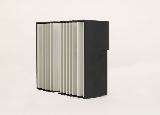 Der FOX-260 Lithium ist ein speziell für LiFe(Y)PO4 Batterien entwickelter Solar-Laderegler für 1 Batteriesystem und Modulströme bis zu 20 A. Anhand der vom Hersteller der Batterie zur Verfügung gestellten Datenblätter werden die Parameter im Regler gesetzt.  (Bild 6 von 7)