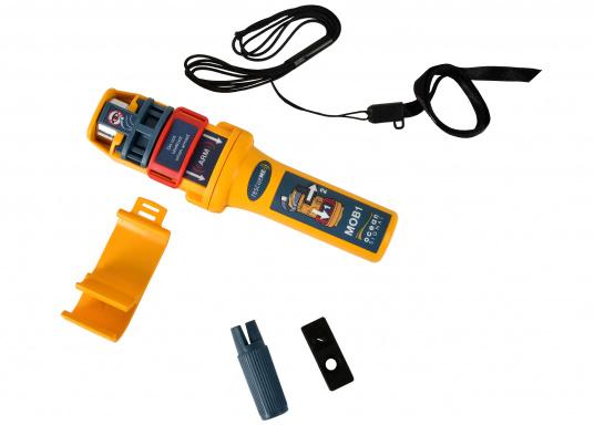 Kleiner, leichter Notsender, der am Mundaufblasventil der Automatik Weste befestigt wird. Das Gerät arbeitet mit AIS und die DSC-Funktion (UKW Funk) wird für Lieferungen nach Deutschland bereits aktiviert. In beiden System löst das Gerät MOB-Alarme aus.   (Bild 4 von 9)