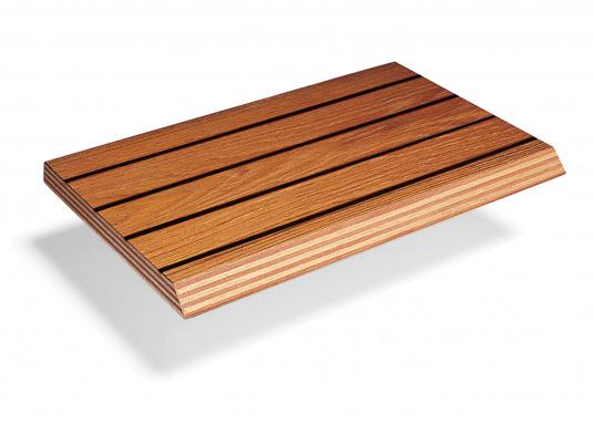 Schöne Bodenplatten in Teak Qualität A/C, geeignet zur Verwendung als Fußboden im Innenraum (z.B. Pantry, Salon, etc). Mit schwarzer Gummifuge. Platten Abmessungen: 310 x 122 cm. Messerfurnier: 2,6 mm. Die Platten haben eine RINA Zertifizierung (Germanischer Lloyd).Preis pro m².