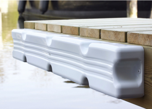 Ideale Fender für Anlege- und Schwimmstege in Weiß. Gerade Ausführung, für das Abpolstern des Steges. Maße Pontonfender: 100 x 12 x 7 cm.  (Bild 2 von 5)
