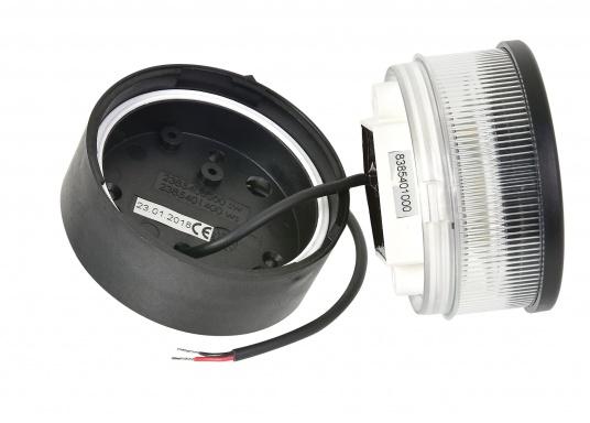 Attraktives Design, neuester technologischer Stand - die LED Serie 34. Absolut wartungsfrei, seewasserfest, UV-geschützt. Sehr geringer Energieverbrauch. (Bild 3 von 5)