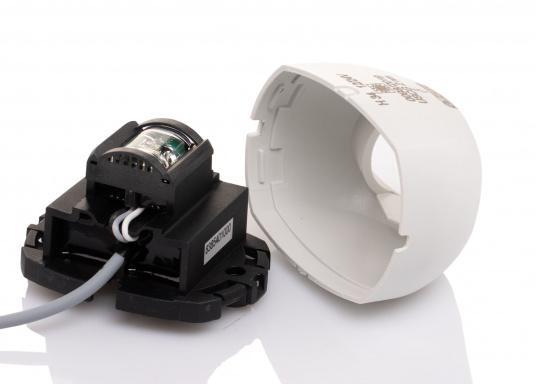 Attraktives Design, neuester technologischer Stand - die LED Serie 34. Absolut wartungsfrei, seewasserfest, UV-geschützt. Sehr geringer Energieverbrauch. (Bild 5 von 7)