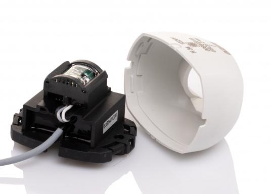 Attraktives Design, neuester technologischer Stand - die LED Serie 34. Absolut wartungsfrei, seewasserfest, UV-geschützt. Sehr geringer Energieverbrauch. (Bild 4 von 10)