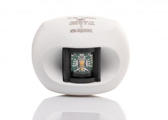 Attraktives Design, neuester technologischer Stand - die LED Serie 34. Absolut wartungsfrei, seewasserfest, UV-geschützt. Sehr geringer Energieverbrauch. (Bild 2 von 10)