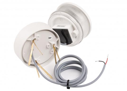 Attraktives Design, neuester technologischer Stand - die LED Serie 34. Absolut wartungsfrei, seewasserfest, UV-geschützt. Sehr geringer Energieverbrauch. (Bild 5 von 6)