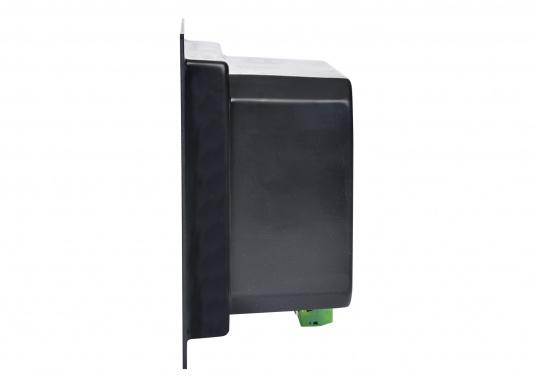 Landanschlusseinheit für Netzstromübernahme 230 Volt / 50 Hz. Netzanschluss innenliegend direkt an den Klemmen des eingebauten FI-Personenschutzschalters, Netzkontrolllampe und Netzschalters. (Bild 3 von 4)