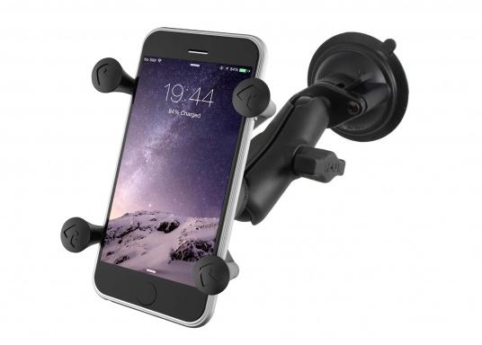 Diese RAM MOUNT X-Grip Saugfusshalterung für Smartphones (RAP-B-166-2-UN7U) besteht aus einer Saugfussbasis mit Drehverschluss einem kurzen Verbindungsarm (ca. 60 mm) und dem X-Grip Universalhalter für Smartphones und kleine elektronische Geräte.