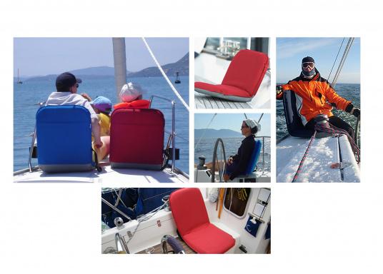 Mobiler Sitzkomfort an Bord, beim Camping, am Strand und im Garten. Der Comfort Seat bietet Sitzkomfort in 6 Positionen: vom aufrechten Sitzen bis zum entspannten Liegen. Erhältlich in Dunkelblau und Blau-Weiß gestreift. (Bild 6 von 7)