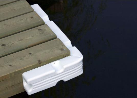 Ideale Fender für Anlege- und Schwimmstege in Weiß. Gewinkelte Ausführung, für das Abpolstern von Ecken.  (Bild 2 von 6)