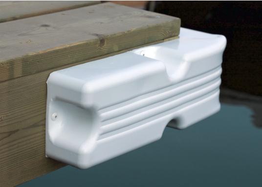 Ideale Fender für Anlege- und Schwimmstege in Weiß. Gewinkelte Ausführung, für das Abpolstern von Ecken.  (Bild 3 von 6)