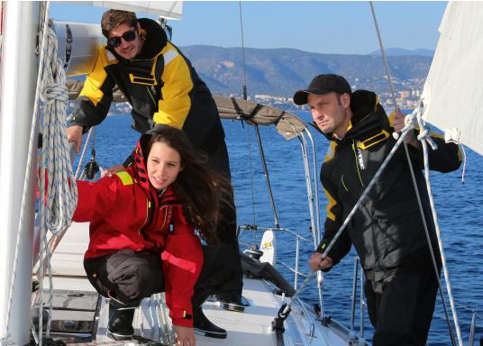 Hochfunktionale, strapazierfähige und komfortable Wetter- und Wassersportbekleidung, zu 100% wasser- und winddicht und besonders atmungsaktiv. Einsatzgebiet: Ideal für den Offshore-Einsatz geeignet.  (Bild 7 von 14)