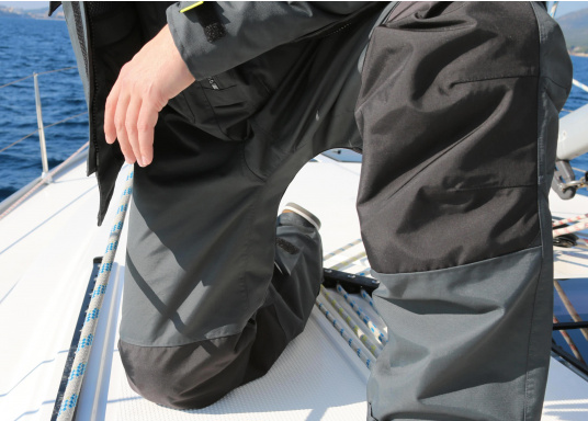 Die Offshore Hose WORKS advanced passt ideal zur SEATEC Offshore Jacke WORKS advanced. Komplett gefüttert und ebenfalls aus demselben, hochwertigen Material gefertigt.  (Bild 6 von 14)