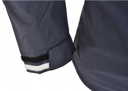 Die Damen Crew Jacke ist der perfekte Allrounder sowohl an Bord wie auch als sportliche Freizeitjacke. Hergestellt aus einem wasserdichten 2-Punkt Material bietet sie gute Atmungsaktivität und Haltbarkeit. (Bild 6 von 6)
