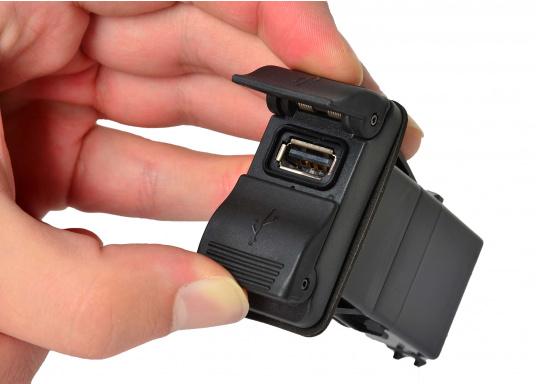Der neue V-Serie Dual USB Adapter mit 3,15 A Ladestrom lädt Ihre elektronischen Geräte wie zum Beispiel Tablets, E-Reader, Spielekonsolen, Digitalkameras etc. schnell und problemlos auf. (Bild 5 von 6)