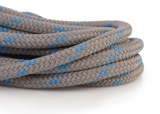 Modernstes Tauwerk-Design gepaart mit traditioneller Seilereitechnik: Das neue DOCK-FLEX! Es spielt seine Stärken in unruhigen Häfen mit starkem Schwell aus. Innovative Doppelgeflecht-Konstruktion aus hochfestem Polyester.  (Bild 3 von 3)