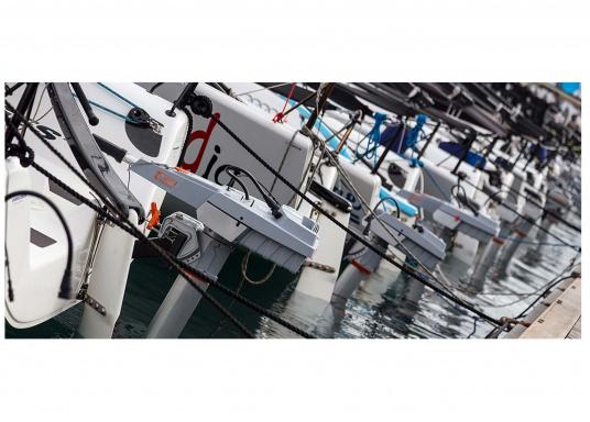 Der TRAVEL 1003 L ist ein Elektro-Außenbordermit über 1000 Watt Eingangsleistung. In der Vortriebsleistung ist er mit einem 3 PS Benzin-Außenboder vergleichbar.  (Bild 10 von 12)