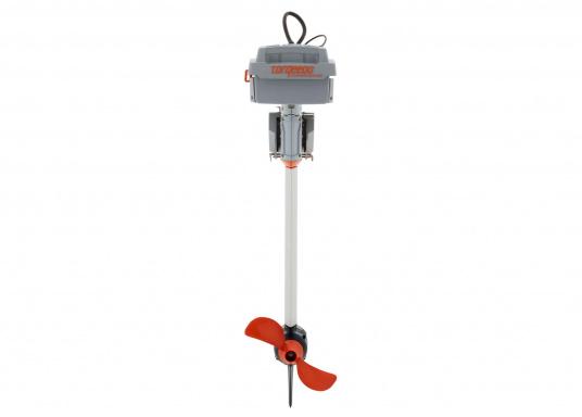 Der TRAVEL 1003 L ist ein Elektro-Außenbordermit über 1000 Watt Eingangsleistung. In der Vortriebsleistung ist er mit einem 3 PS Benzin-Außenboder vergleichbar.  (Bild 4 von 12)