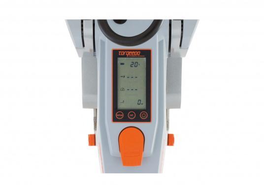 Der Torqeedo TRAVEL 1003 S wird mit über 1000 Watt Eingangsleistung angeboten und ist in der Vortriebsleistung mit einem 3 PS Benzin - Außenboder vergleichbar.  (Bild 3 von 14)