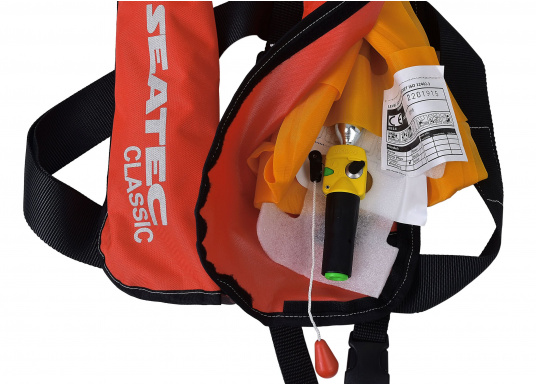 The fully automatic life jacket CLASSIC 165 by SEATEC - price-conscious, but without compromises!