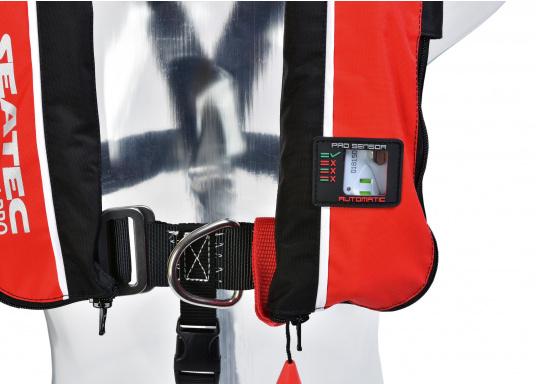Die komfortabel geschnittene Rettungsweste X-PRO 300von SEATEC bietet Ihnen für wenig Geld selbst bei schwerer Ölkleidung hohen Tragekomfort und höchste Sicherheit.  (Bild 8 von 8)