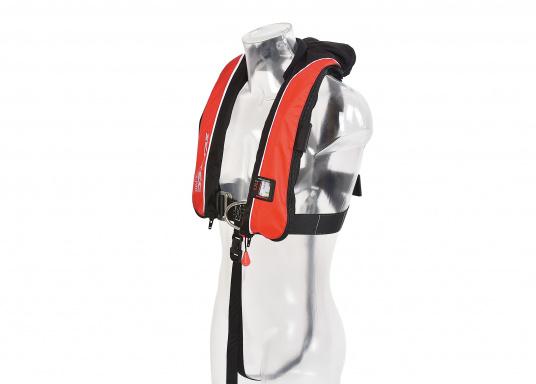 Die komfortabel geschnittene Rettungsweste X-PRO 300von SEATEC bietet Ihnen für wenig Geld selbst bei schwerer Ölkleidung hohen Tragekomfort und höchste Sicherheit.  (Bild 7 von 8)