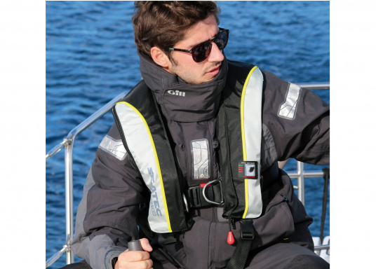 Premium life jacket with a buoyancy of 300N. Despite its extensive features, this vest provides a great deal of freedom of movement.