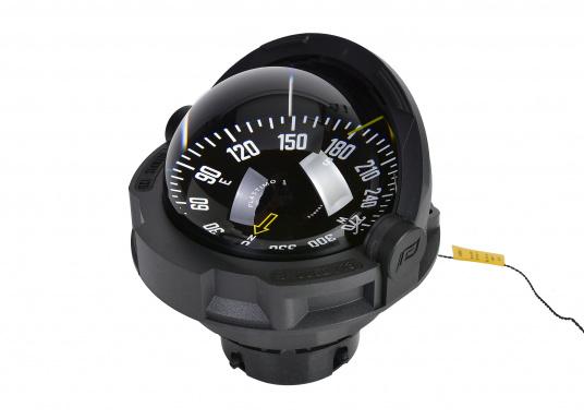 """Originaler BAVARIAKompass """"Olympic 135"""" von Plastimo. Der Kompass ist für Segelboote ab 9 mgeeignet und ist für die nördliche Halbkugel der Erde ausgelegt.Inklusive Beleuchtung und Kompensation. Farbe: schwarz."""