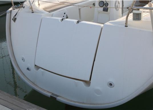 Originale PVC-Scheuerleiste für Ihre Yacht von BAVARIA. Erhältlich in unterschiedlichen Längen. Abmessungen: 60 x 40 mm. Farbe: weiß.  (Bild 3 von 3)