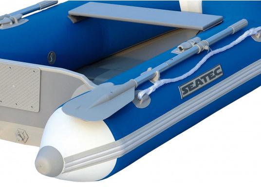 Ausgezeichnetes Preis-/Leistungsverhältnis, einfache Handhabung und gute Fahreigenschaften: Das ist unser Yachttender NEMO 230!  (Bild 11 von 16)