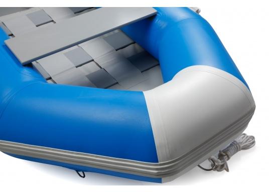 Ausgezeichnetes Preis-/Leistungsverhältnis, einfache Handhabung und gute Fahreigenschaften: Das ist unser Yachttender NEMO 230!  (Bild 5 von 16)