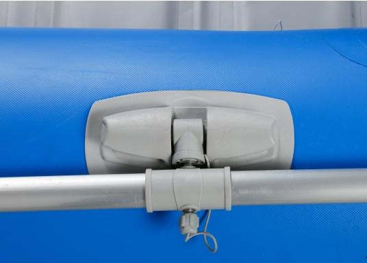 Ausgezeichnetes Preis-/Leistungsverhältnis, einfache Handhabung und gute Fahreigenschaften: Das ist unser Yachttender NEMO 230!  (Bild 12 von 16)