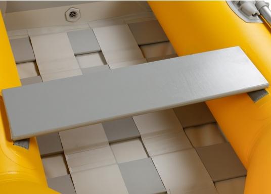 Ausgezeichnetes Preis-/Leistungsverhältnis, einfache Handhabung und gute Fahreigenschaften: Das ist unser Yachttender NEMO 230!  (Bild 6 von 14)