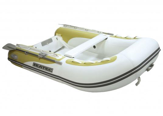 Das Festrumpfschlauchboot ist die perfekte Kombination aus klassischen Schlauchbooten und reinen Festrumpfbooten. Es kombiniert die besten Eigenschaften beider Konstruktionen, ohne die jeweiligen Nachteile zu übernehmen.