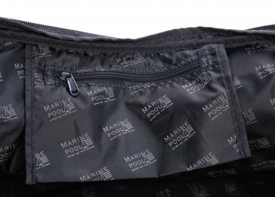 DER Klassiker! Die bewährte Marinepool Rollentasche bietet mit Ihrem Volumen von 110 l Platz für einen ganzen Urlaub. (Bild 11 von 14)