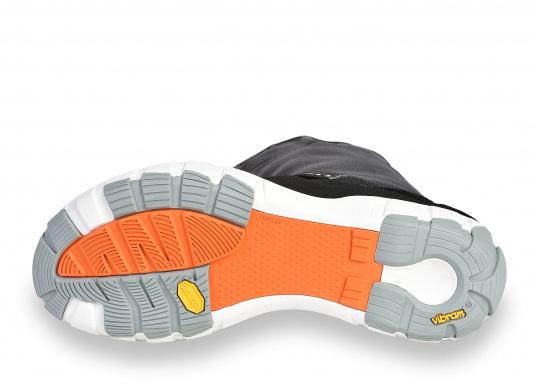 Gli stivali da vela della linea SPIN di Lizard sono al 100% impermeabili, traspiranti, antiscivolo, molto leggeri e allo stesso tempo piacevolmente comodi.  (Immagine 3 di 13)