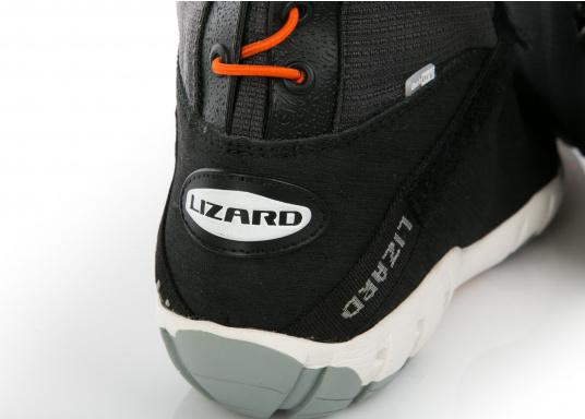 Der patentierte SPIN BOOT von LIZARD ist ein 100% wasserdichter Segelstiefel, hoch atmungsaktiv, extrem bequem, absolut rutschsicher und dabei enorm leicht.  (Bild 9 von 13)