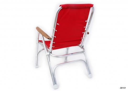 Stabil, korrosionsfest, praktisch zusammenklappbar und natürlich mit hohem Sitzkomfort! Decksstuhl aus solidem, seewasserbeständigem Alurohr mit Armlehnen aus Holz. (Bild 3 von 4)