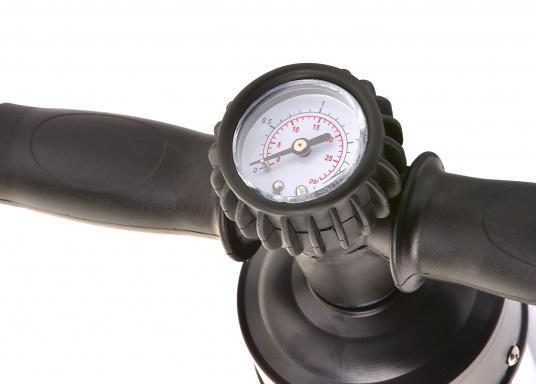 Pompe à main haute pression avec manomètre pour le gonflage des SUP. Cette pompe vous permet de gonfler un SUP rapidement et sans effort.  (Image 2 de 2)