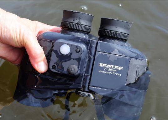Das SEATEC TARGET-Fernglas mit digitalem Kompass ist speziell für den maritimen Einsatz an Bord entwickelt.  (Bild 4 von 11)