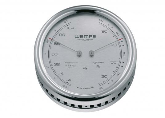 Das Thermo-/Hygrometer der Serie PILOT IV misst hochpräzise und zeigt Temperatur und relative Luftfeuchtigkeit in einem zeitlos schönen Design an.