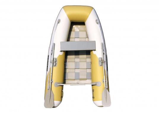 Das Set besteht aus dem SEATEC Schlauchboot YACHTING 225und dem Außenbordmotor Honda BF 2,3.  (Bild 3 von 5)